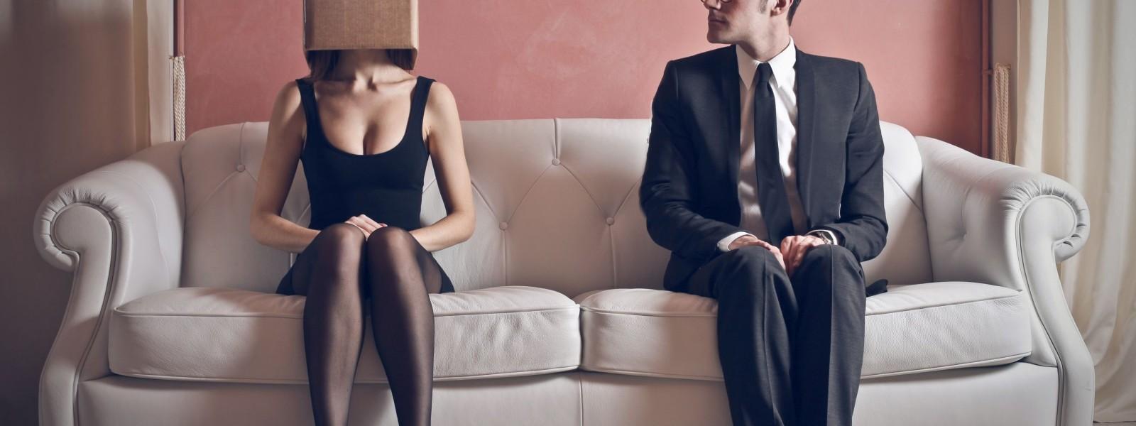 sofa couple head in box